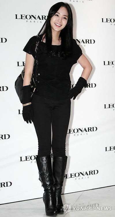 พัคมินยอง (Park Min Young) แห่ง 'Sung Kyun Kwan' ร่วมงานแฟชั่น 'Leonard' 2011 S/S